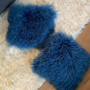 Pair of 16x16 blue faux fur pillows